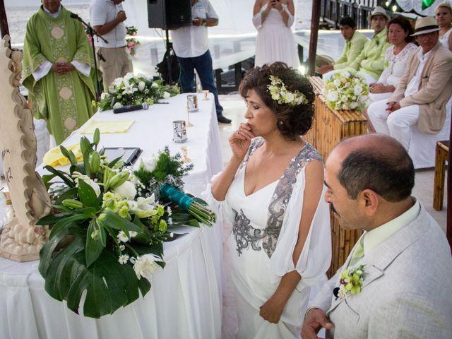 La boda de Marcos y Irma en Ixtapa Zihuatanejo, Guerrero 25
