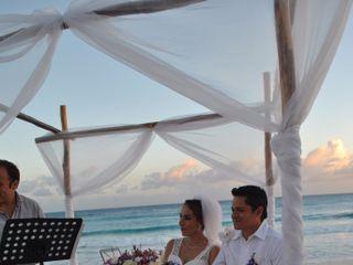 La boda de Hugo  y Mary J  3