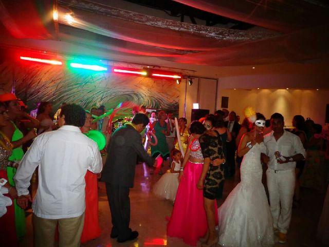 La boda de Julio y Tere en Mazatlán, Sinaloa 35