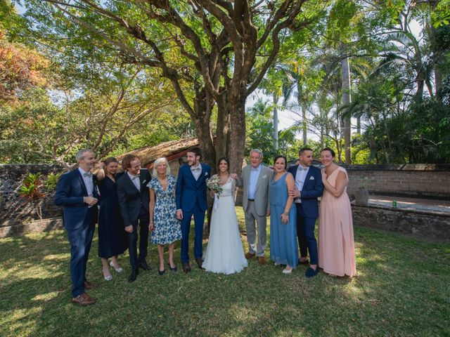 La boda de Victor y Estefania en Mazatepec, Morelos 42
