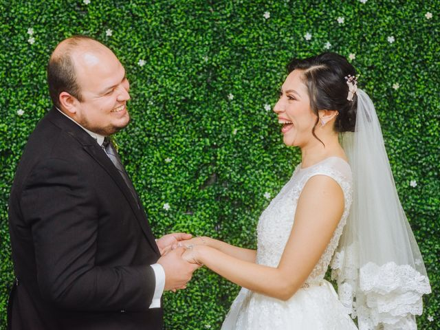 La boda de Fernando y Veronica en Monterrey, Nuevo León 39