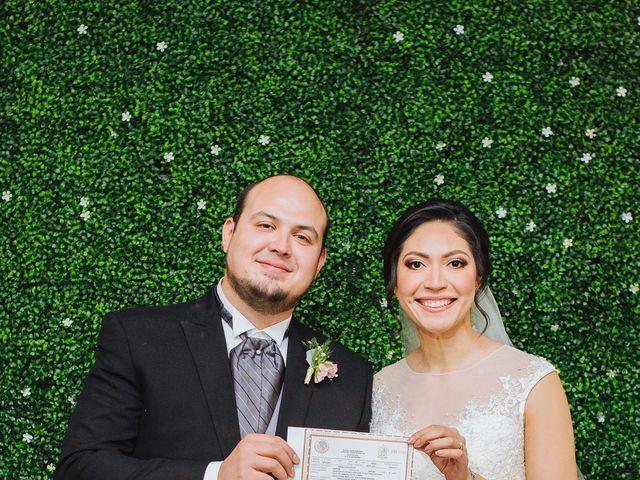 La boda de Fernando y Veronica en Monterrey, Nuevo León 43