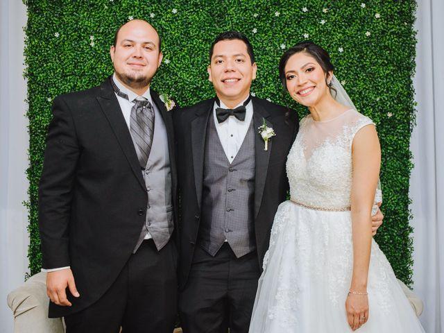 La boda de Fernando y Veronica en Monterrey, Nuevo León 51
