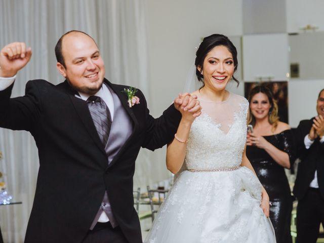 La boda de Fernando y Veronica en Monterrey, Nuevo León 54