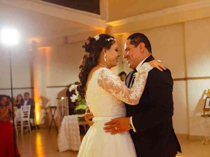 La boda de Mary y Roberto