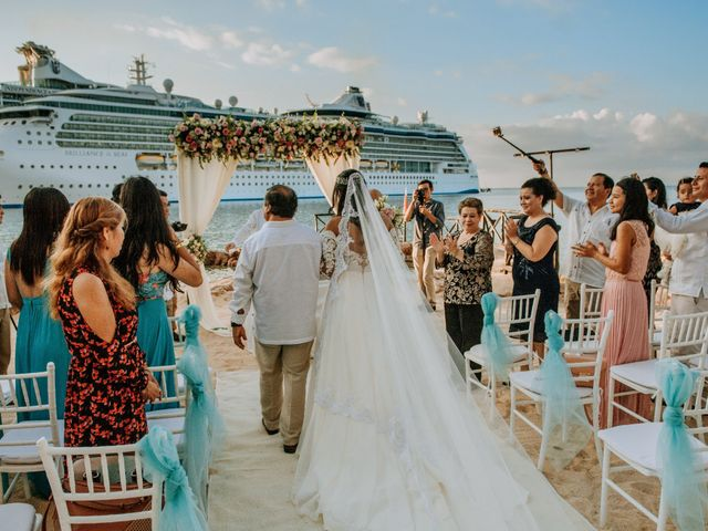 La boda de Eduardo  y Gladis  en Cozumel, Quintana Roo 9