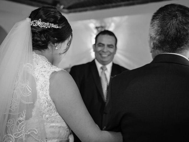 La boda de Abraham y Cyntia en Guanajuato, Guanajuato 33