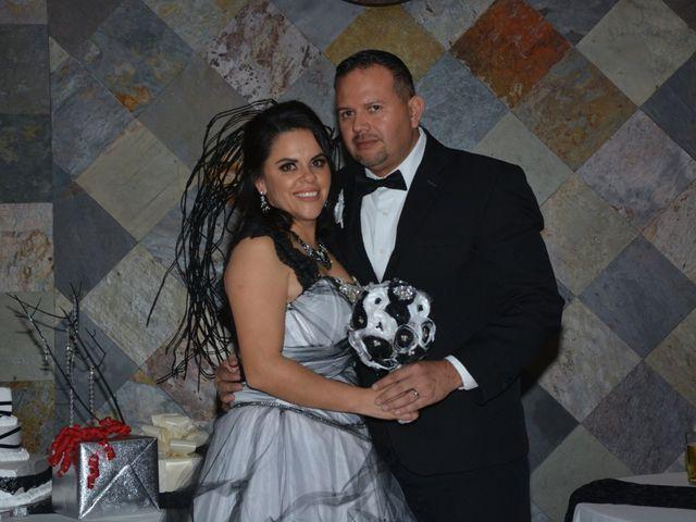 La boda de Víctor  y Cristina  en Ensenada, Baja California 4