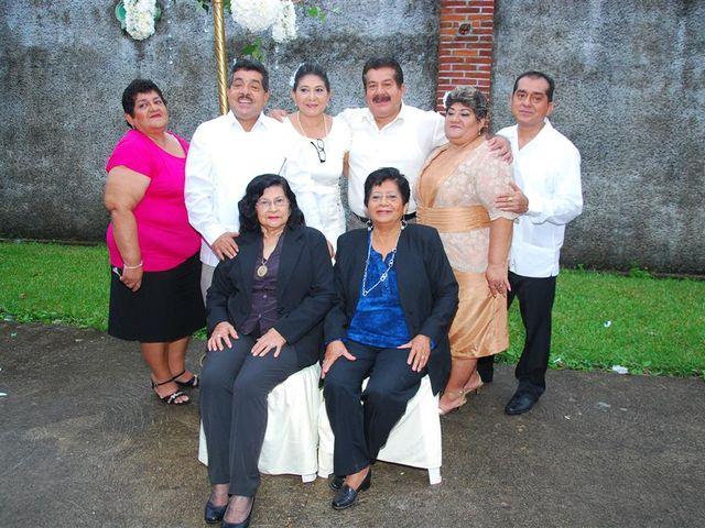 La boda de Gonzalo y Alexandra en Huimanguillo, Tabasco 33