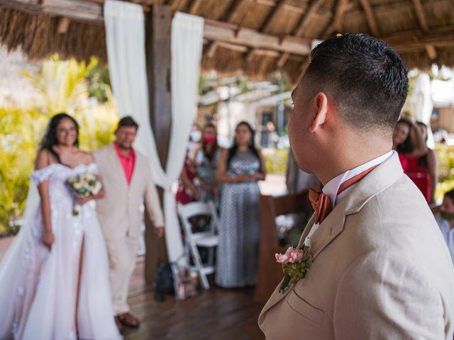 La boda de Gustavo y Ariadna en Cozumel, Quintana Roo 35