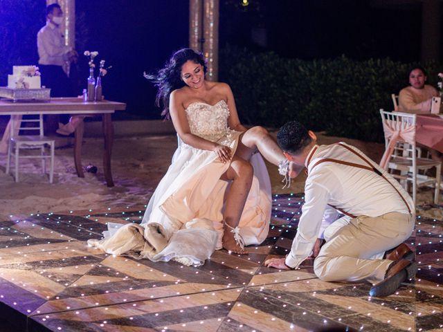 La boda de Gustavo y Ariadna en Cozumel, Quintana Roo 90