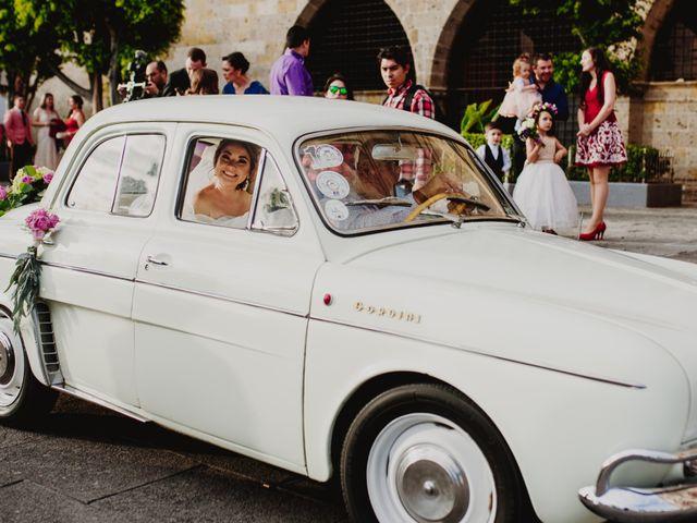 La boda de Carlos y Gaby en Guadalajara, Jalisco 13