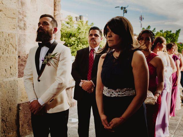 La boda de Carlos y Gaby en Guadalajara, Jalisco 14