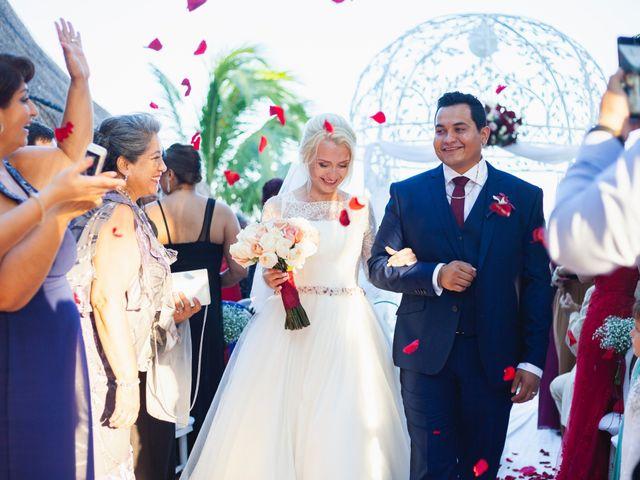 La boda de Yahel y Tatiana en Cancún, Quintana Roo 64
