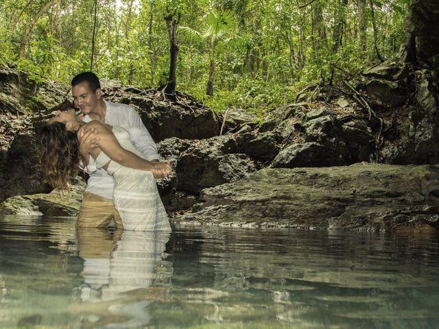 La boda de Álex y Karla en Cancún, Quintana Roo 35