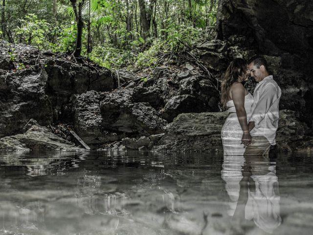 La boda de Álex y Karla en Cancún, Quintana Roo 36