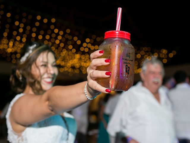 La boda de Álex y Karla en Cancún, Quintana Roo 42