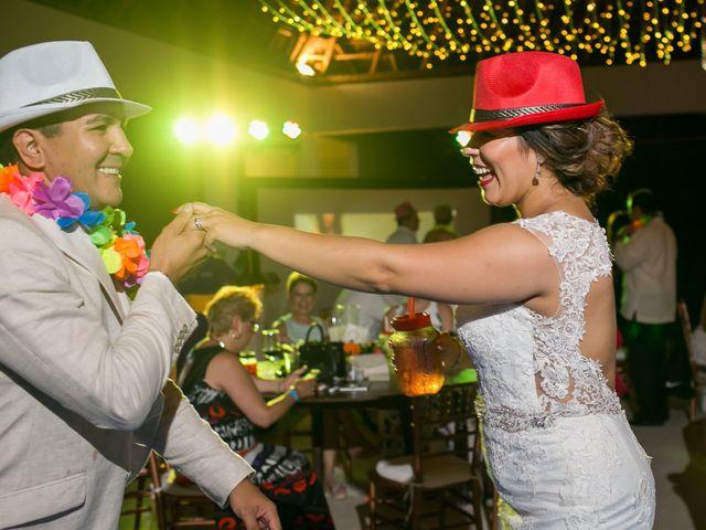La boda de Álex y Karla en Cancún, Quintana Roo 44