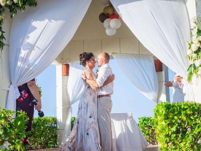 La boda de Alonso y Monique en Isla Mujeres, Quintana Roo 60