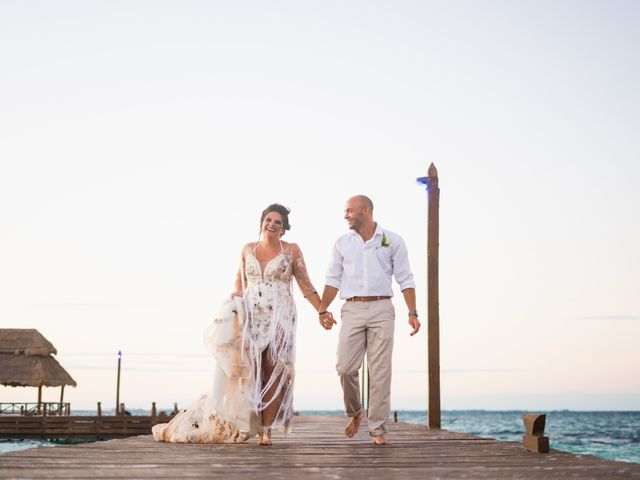 La boda de Alonso y Monique en Isla Mujeres, Quintana Roo 81