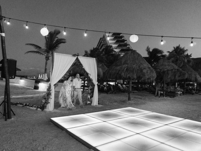 La boda de Alonso y Monique en Isla Mujeres, Quintana Roo 86