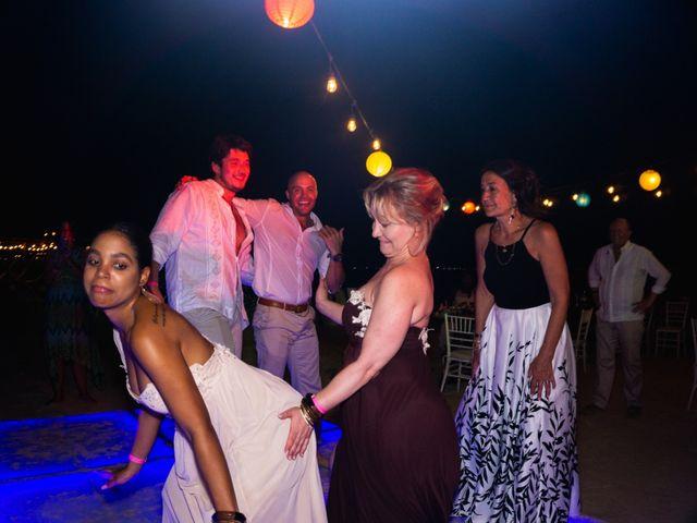 La boda de Alonso y Monique en Isla Mujeres, Quintana Roo 135
