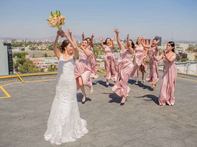 La boda de Javier y Aimee en Guadalajara, Jalisco 13