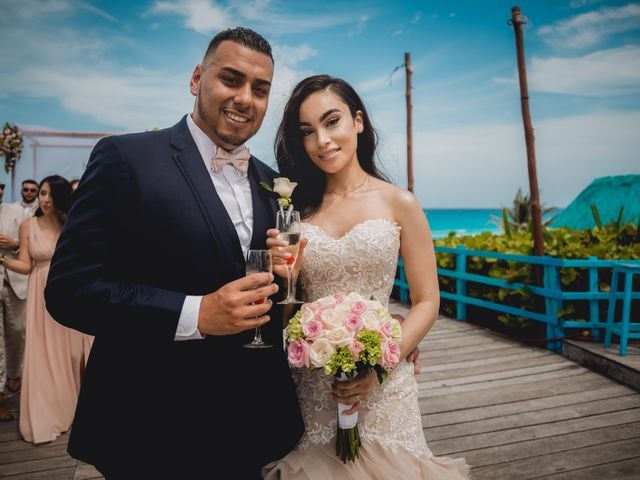 La boda de Mario y Marilyn en Cancún, Quintana Roo 27