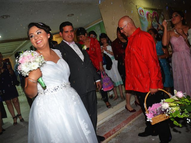 La boda de Samuel y Erika en Coatzacoalcos, Veracruz 18