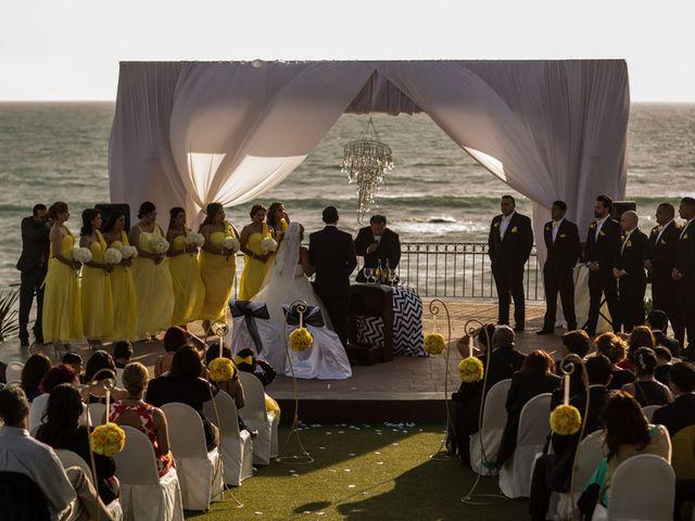 La boda de Joel y Karina en Rosarito, Baja California 5
