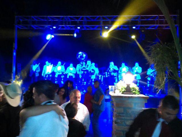 La boda de  Valentín y América en Aguascalientes, Aguascalientes 5