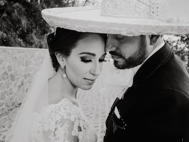 La boda de Alfonso y Alejandra en Pátzcuaro, Michoacán 23