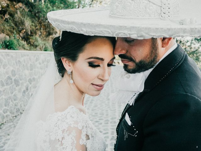 La boda de Alfonso y Alejandra en Pátzcuaro, Michoacán 24
