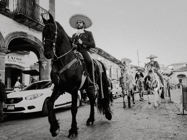 La boda de Alfonso y Alejandra en Pátzcuaro, Michoacán 48