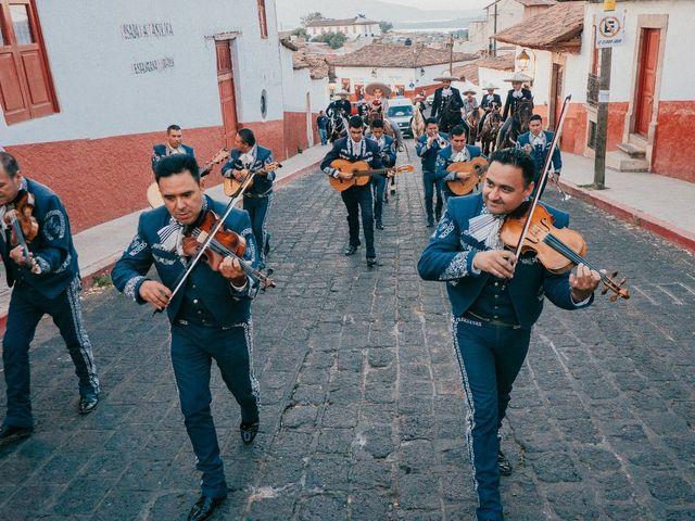 La boda de Alfonso y Alejandra en Pátzcuaro, Michoacán 53