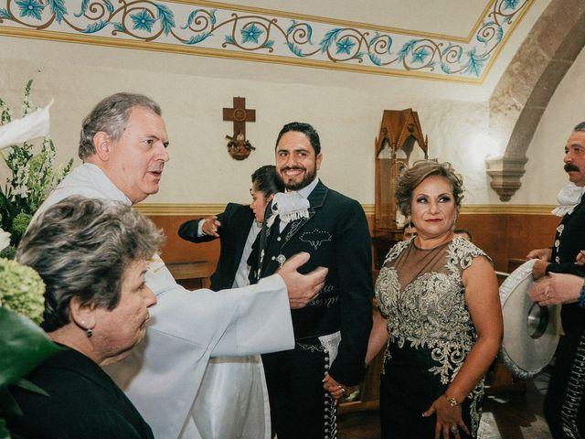 La boda de Alfonso y Alejandra en Pátzcuaro, Michoacán 57