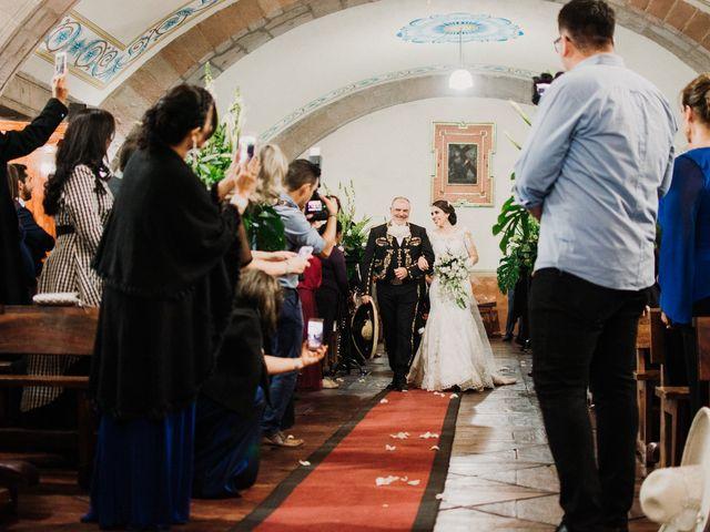 La boda de Alfonso y Alejandra en Pátzcuaro, Michoacán 64