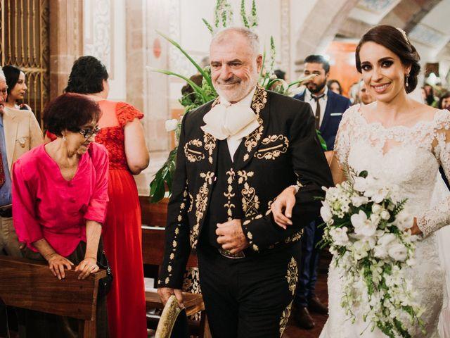 La boda de Alfonso y Alejandra en Pátzcuaro, Michoacán 67
