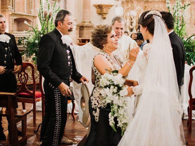 La boda de Alfonso y Alejandra en Pátzcuaro, Michoacán 68