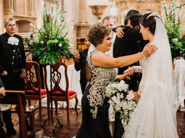 La boda de Alfonso y Alejandra en Pátzcuaro, Michoacán 69