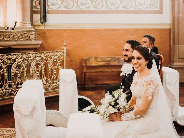 La boda de Alfonso y Alejandra en Pátzcuaro, Michoacán 74