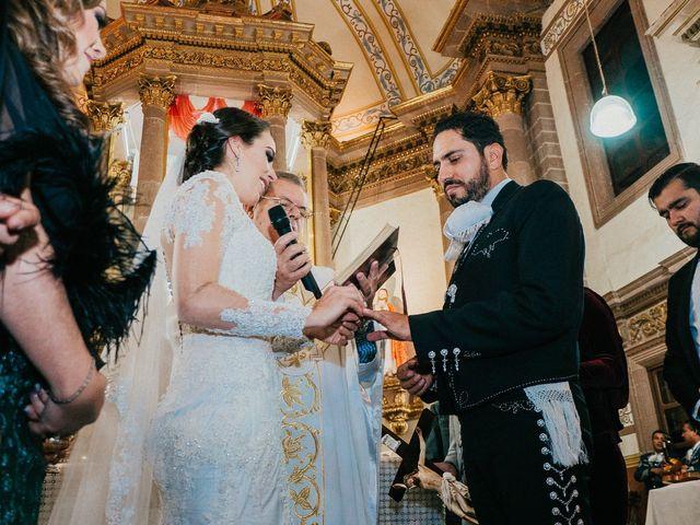 La boda de Alfonso y Alejandra en Pátzcuaro, Michoacán 84