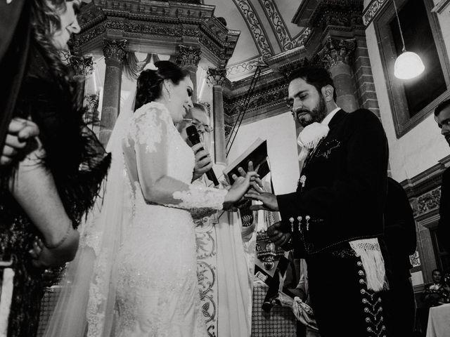 La boda de Alfonso y Alejandra en Pátzcuaro, Michoacán 85
