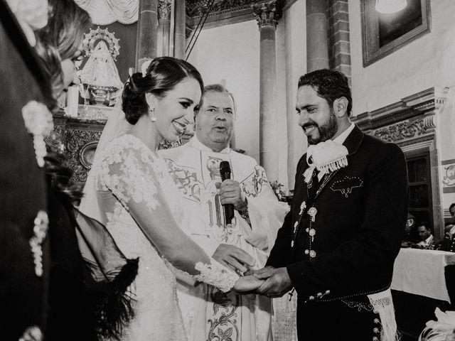 La boda de Alfonso y Alejandra en Pátzcuaro, Michoacán 86