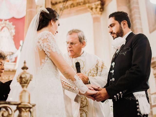 La boda de Alfonso y Alejandra en Pátzcuaro, Michoacán 89