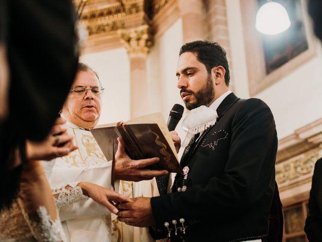 La boda de Alfonso y Alejandra en Pátzcuaro, Michoacán 92