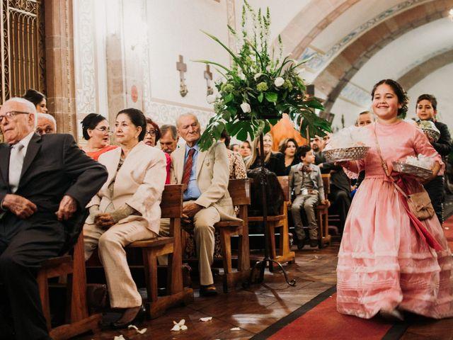 La boda de Alfonso y Alejandra en Pátzcuaro, Michoacán 96