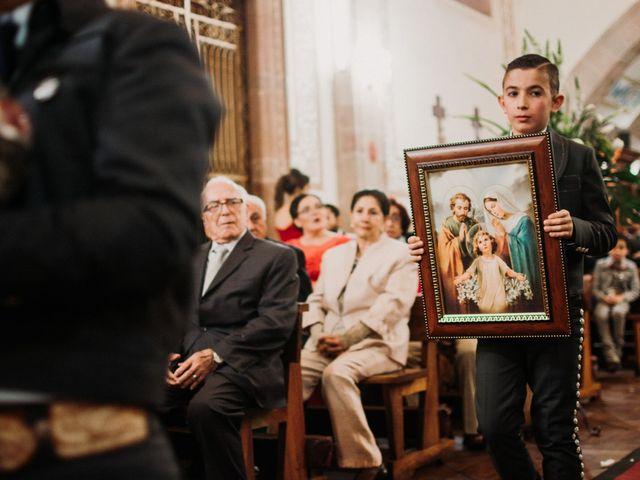 La boda de Alfonso y Alejandra en Pátzcuaro, Michoacán 97