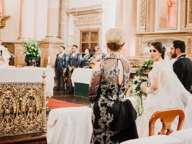 La boda de Alfonso y Alejandra en Pátzcuaro, Michoacán 98