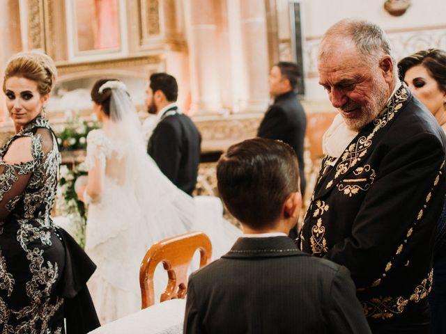 La boda de Alfonso y Alejandra en Pátzcuaro, Michoacán 99